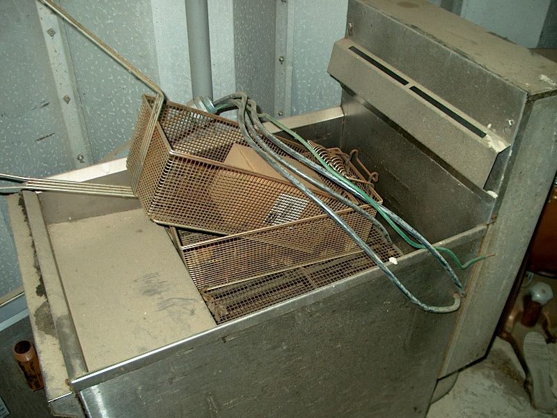 Cecilware 2 Basket Electric Deep Fryer